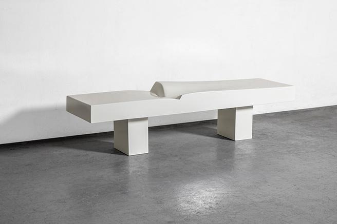 Mobilier d'art à la  Galerie Yves Gastou