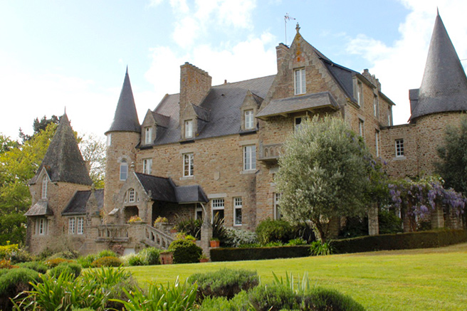 A château in France : awesome !
