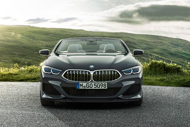 BMW Série 8 cabriolet, luxueuse et sportive
