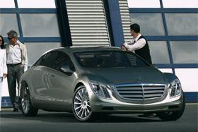 Mercedes F 700 cap vers l'avenir