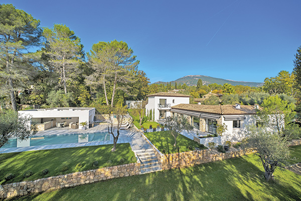 L'arrière-pays de Cannes séduit les investisseurs fortunés