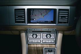 Jaguar XF : le luxe sportif