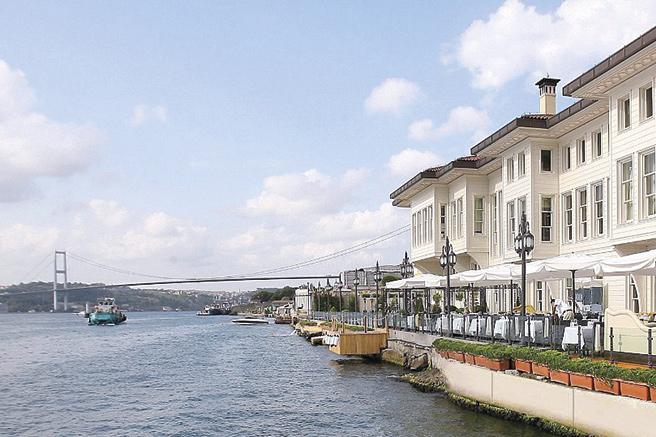 Istanbul, entre deux mondes