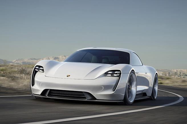 Porsche Mission E, tout électrique